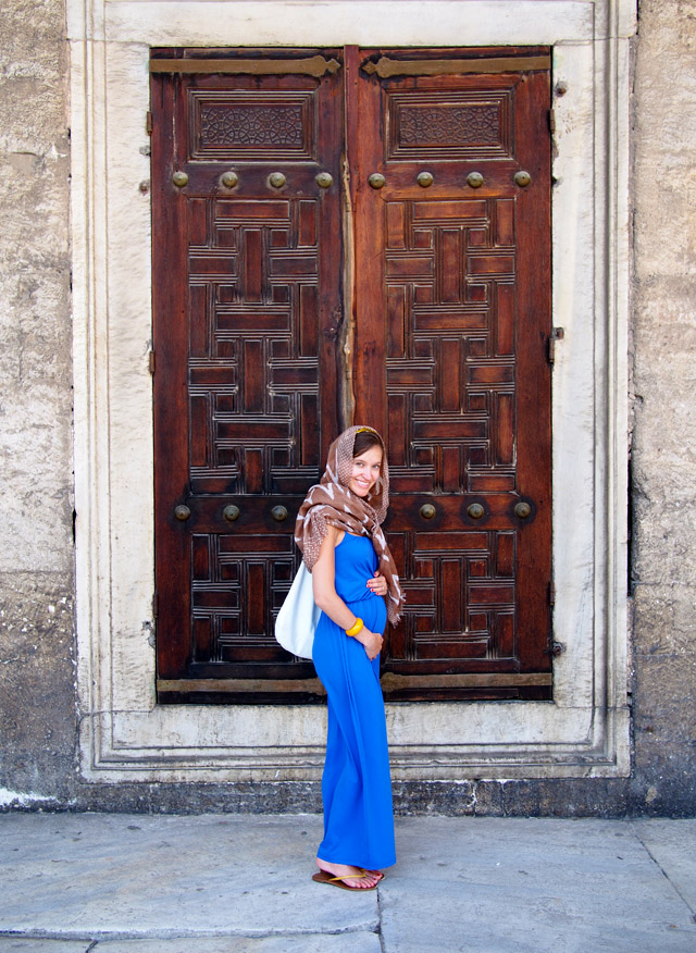 baby bump, istanbul, ethical fashion, maternity style, blue maxi dress
