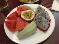土, 2014-05-17 17:47 - ホテルの朝食のフルーツ