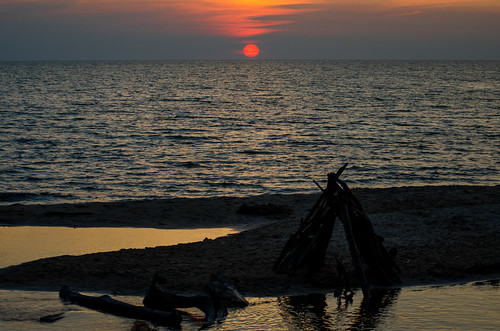 sunset beach lakemichigan greatlakes beachsunset hoffmasterstatepark michiganstatepark pjhoffmasterstatepark