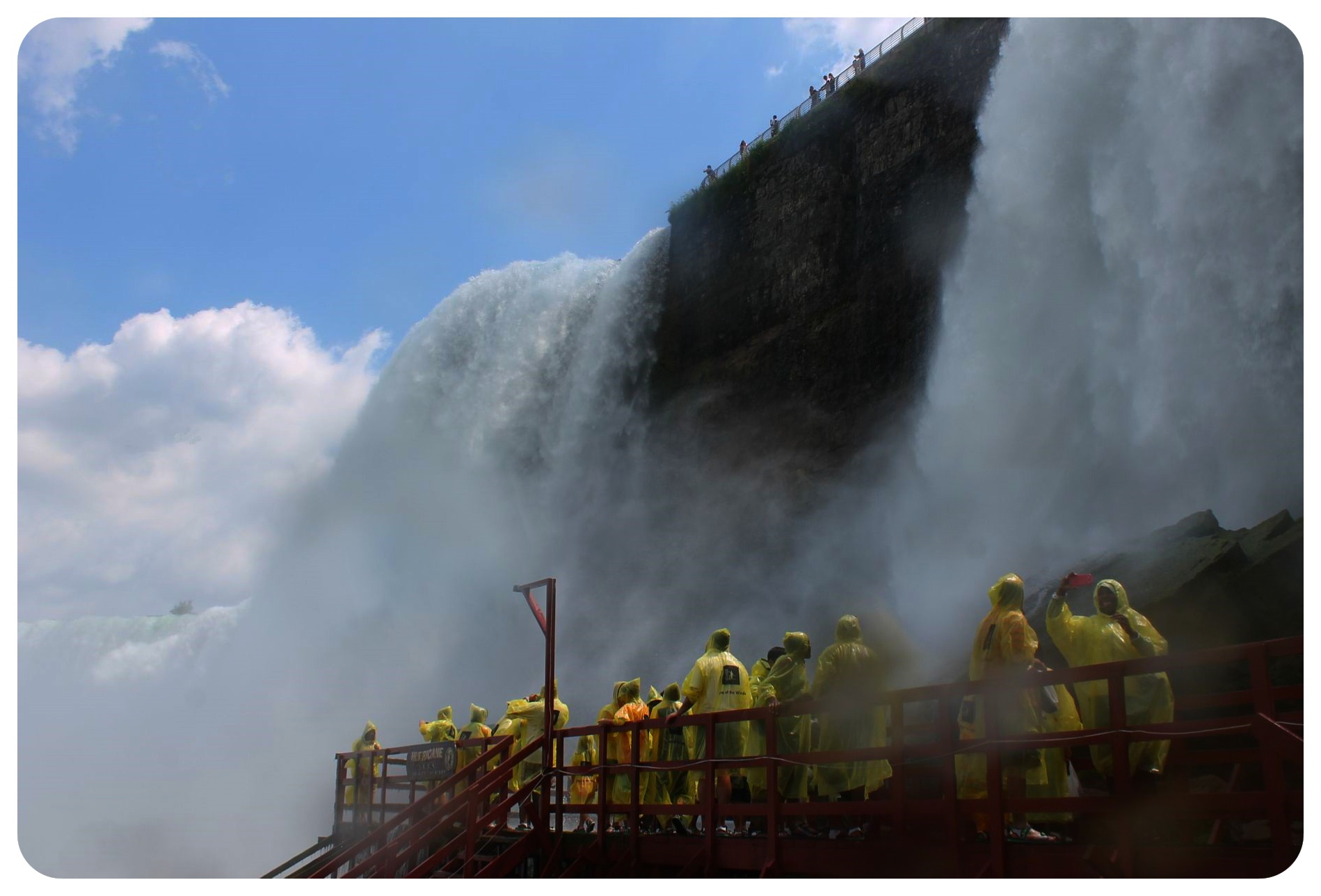 niagara falls hurricane deck