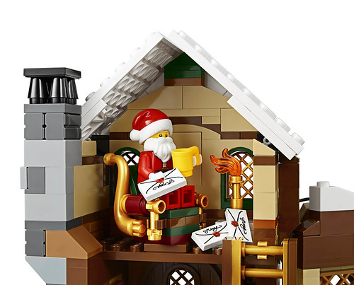 LEGO 10245 Santa's Workshop 11