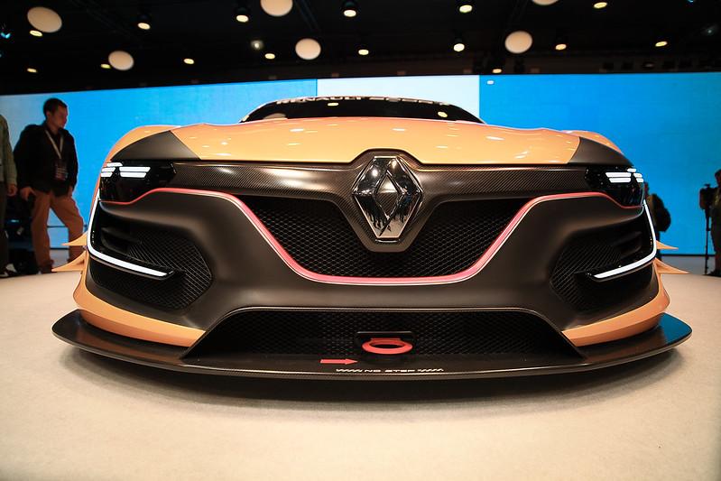 Renault Sport R.S. 01 : A racing car of spectacular design