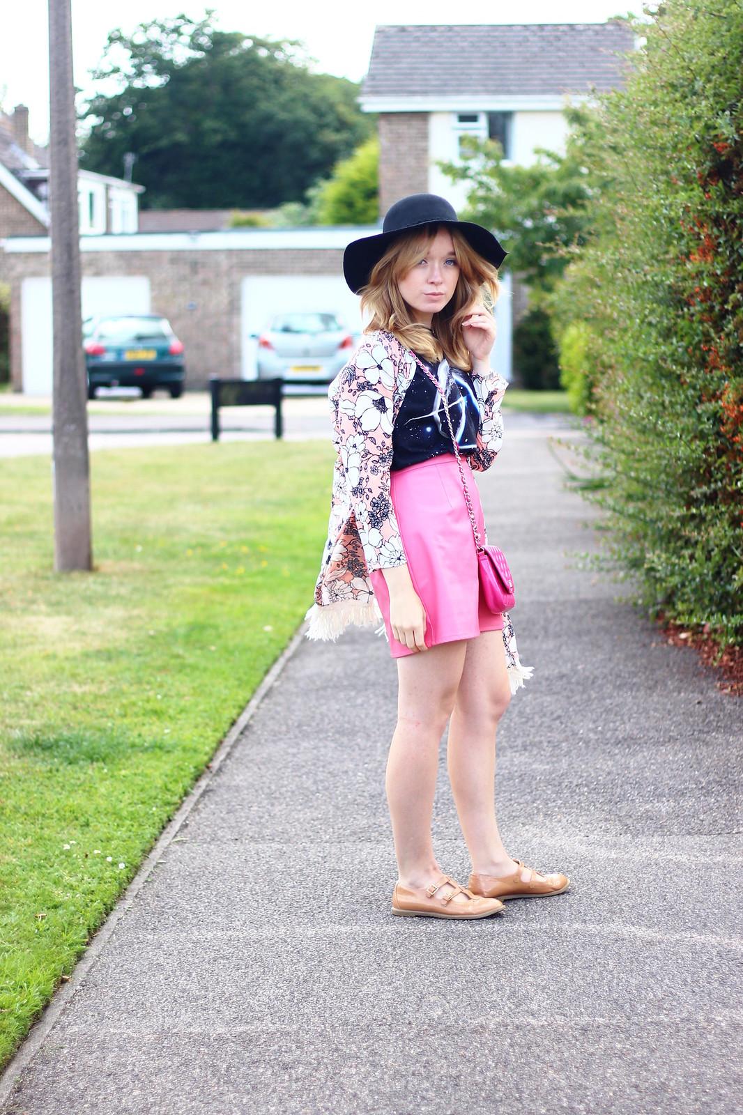 4pinkfloydtee, band tee pink skirt outfit, style, boho