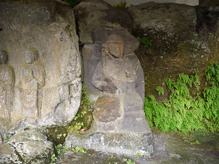 臼杵石仏 ホキ石仏第二群 第二龕 右の菩薩立像