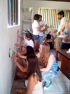 Projeto Brinquedoteca - RC Natal Tirol -Natal/Brasil- Estudantes do Intercâmbio de Jovens participam de montagem de brinquedoteca