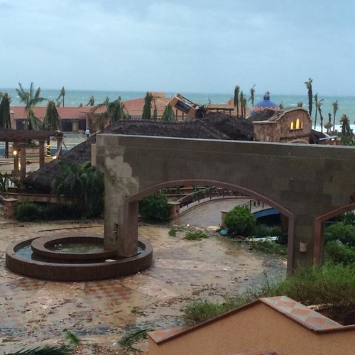 Hurricane Odile Hits Cabo San Lucas; What You Need to Know