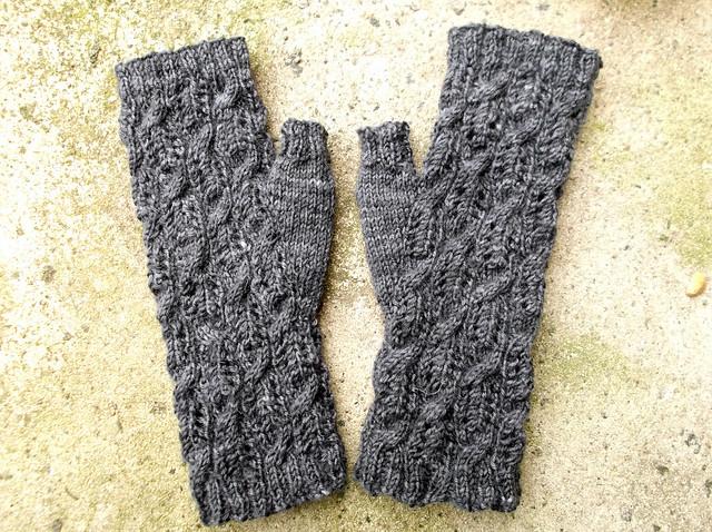 fluffy knitter mitts 3