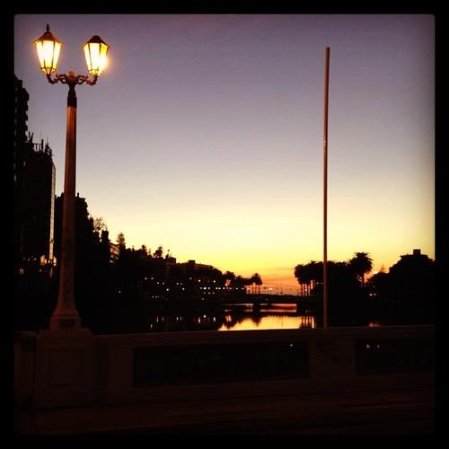 El farol y el puente #viñadelmar #chile #city #night #sunset