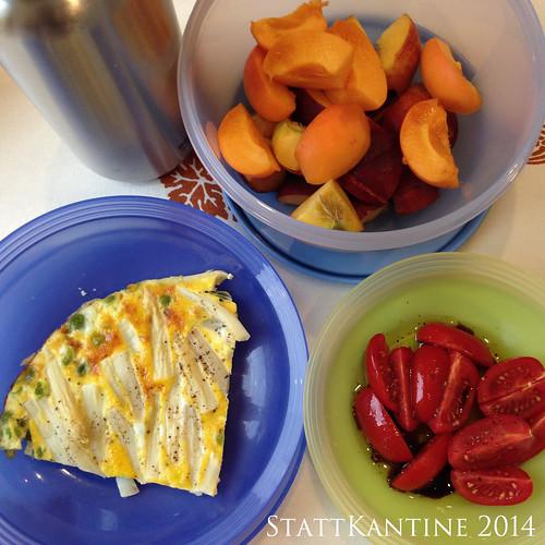 StattKantine 07.07.14 - Frittata, Tomaten, Obst