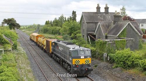 Irish Rail 085 at Goold's Cross.