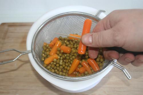 58 - Größere Möhren zerteilen / Cut bigger carrots