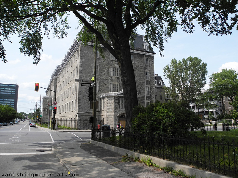 Maison des Sœurs de la Providence - Saint-Vincent-de-Paul presbytery