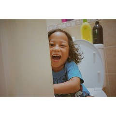 """Close the door please!"" #vsco #kids #dslr #portrait #indonesia"