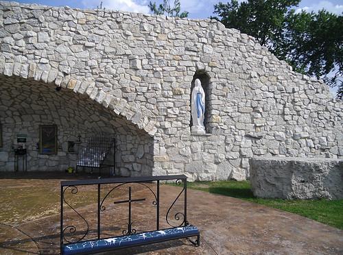 Notre Dame alcove