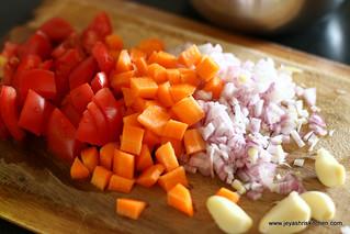 onion+tomato+carrot+garlic