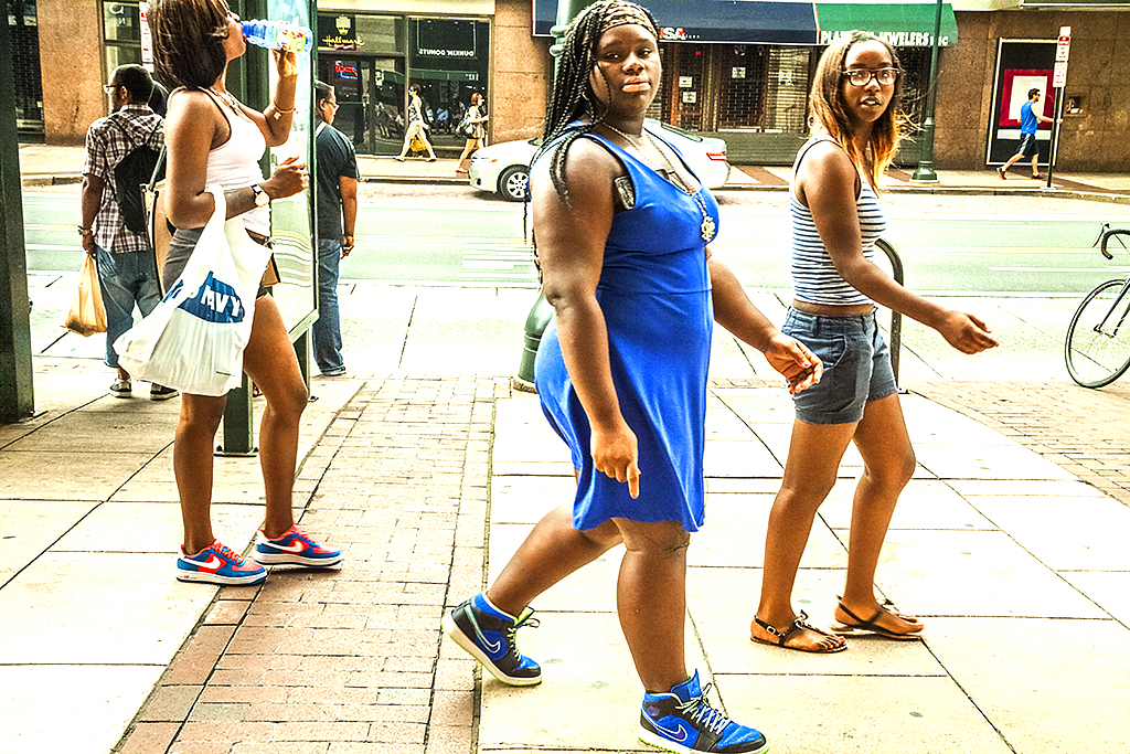 Three-young-women-at-12th-and-Market-on-9-6-14--Center-City