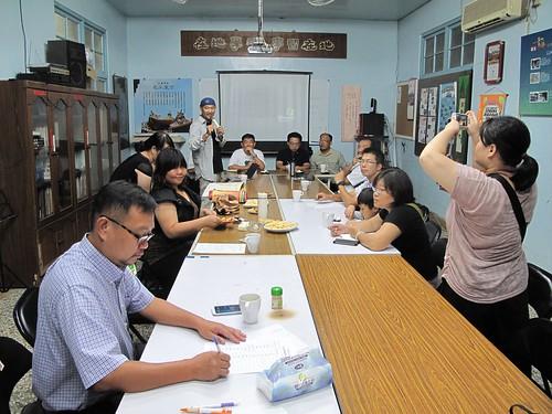 交流團參訪台南社區大學台江分校,對流域學習串連的在地社團、學校、社區、師生網絡感到印象深刻。