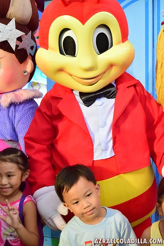 "Jollibee ""I love you Sabado"""