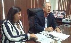 Alcalde de Chone Deyton Alcívar firma convenio con la ESPAM de Bolívar