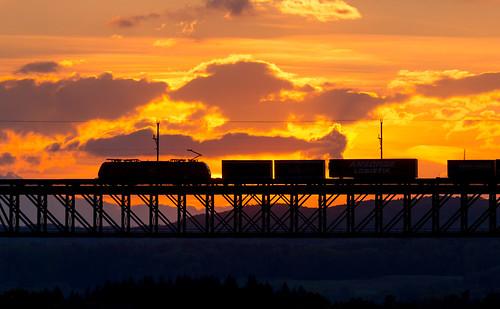 db schenker br185 traxx eglisau sunset steelbridge train railway