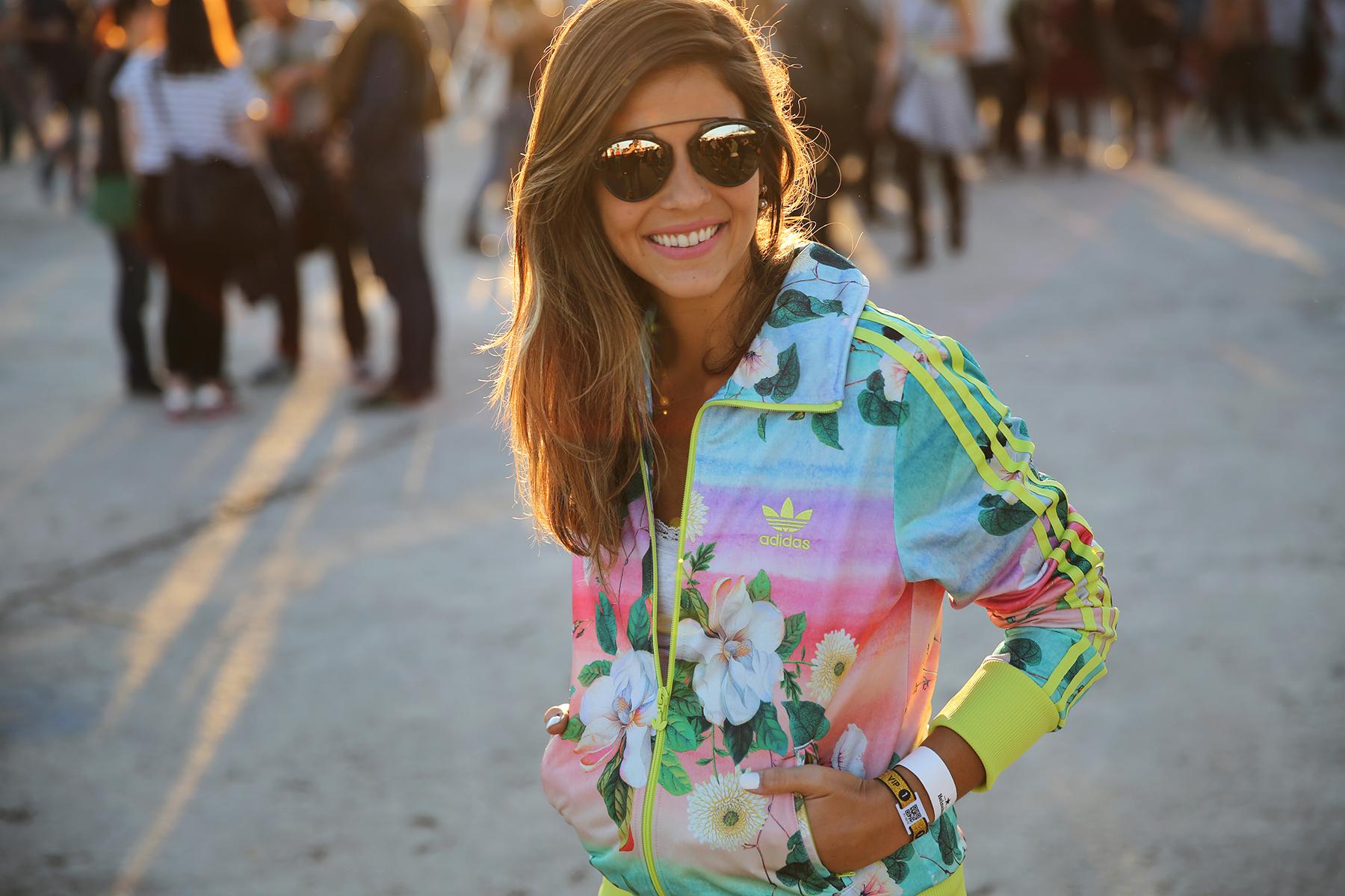 trendy_taste-look-outfit-street_style-ootd-blog-blogger_españa-fashion_spain-moda_españa-festival-primavera_sound-adidas_originals-stan_smith-barcelona-camiseta-zapas-5