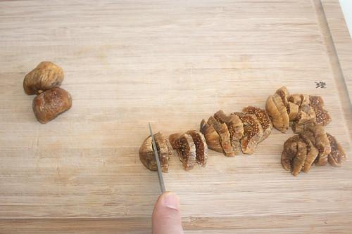 19 - Feigen zerkleinern / Mince figs