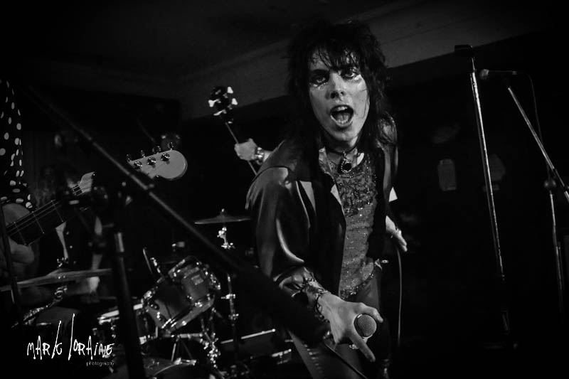 the_struts_the_harley-3