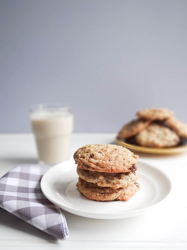 almond sea salt chocolate chunk cookies