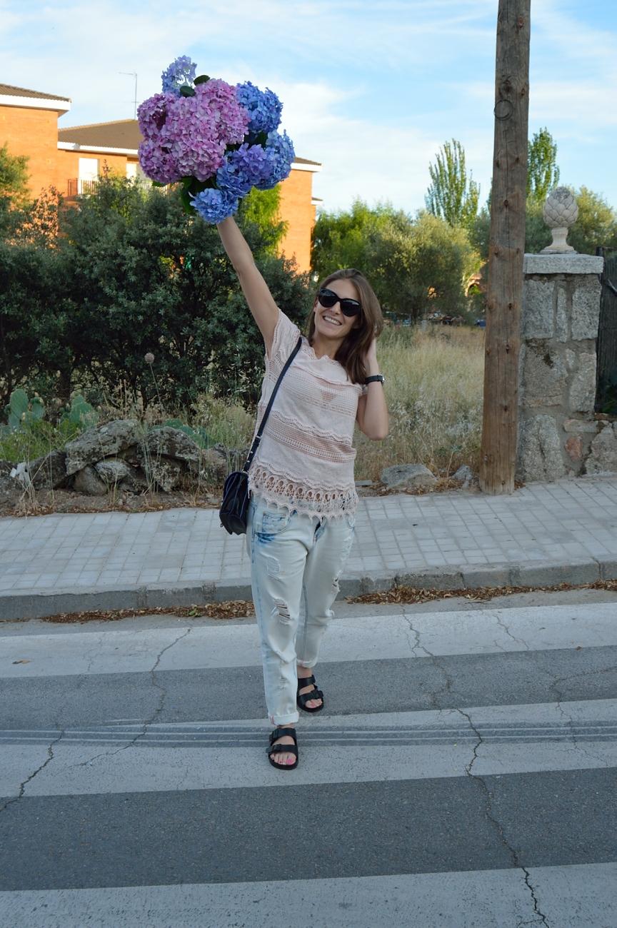 lara-vazquez-madlula-blog-style-fashion-flower-power-birks