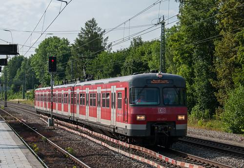 420 439 aus Stuttgart unterwegs ins S-Bahnwerk München-Steinhausen