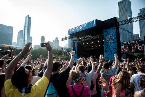 Lollapalooza 2014: GROUPLOVE
