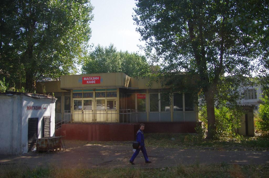 Магазин и кафе на территории ЗИЛа