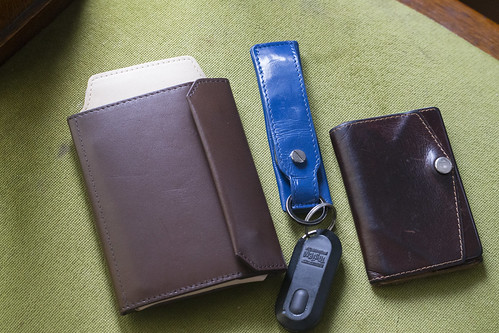 iPhoneも入る財布_01