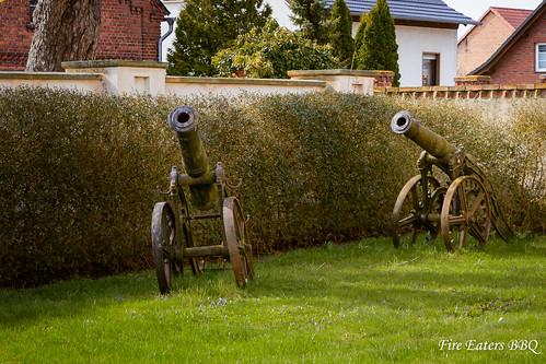 Kanonen im Schloßpark