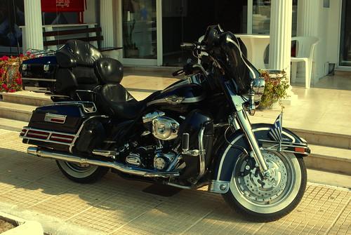 Harley Davidson Ultra Glide...vidjen negde na putu.