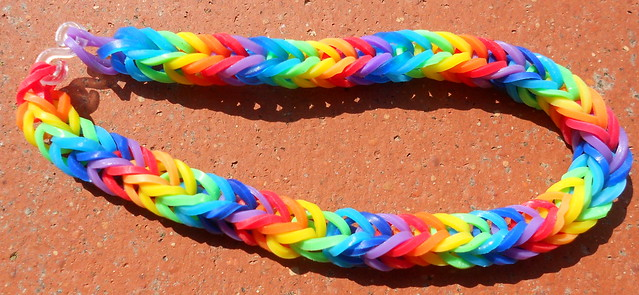 braccialetto pace arcobaleno