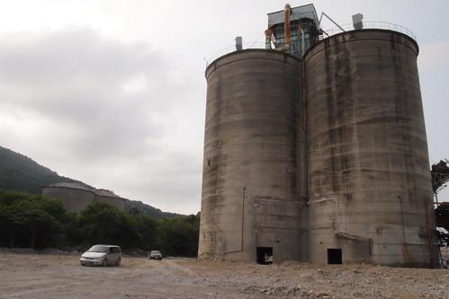 台泥代表認為儲槽不具歷史價值將拆除