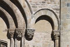 Collégiale romane Saint-Pierre à Burlats