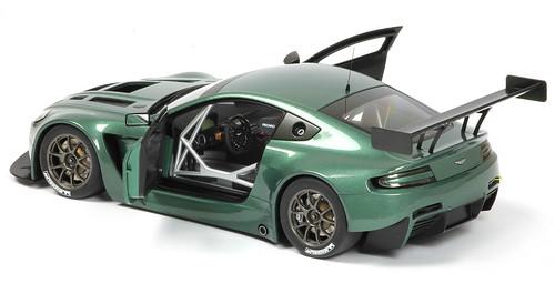 Aston_GT3_aperta