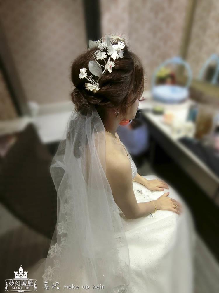 【新秘蓁妮】bride雯心 訂結婚造型 / 草屯成都餐廳