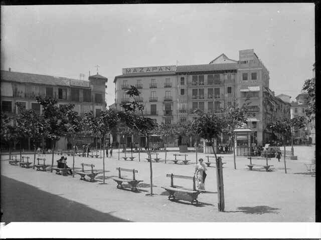 Zocodover a comienzos del siglo XX. Fotografía de J. Lacoste © MECD, Fototeca del IPCE, signatura VN-22652_P