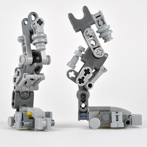 Review 21109 Exo Suit Part 2 Brickset Lego Set Guide And Database