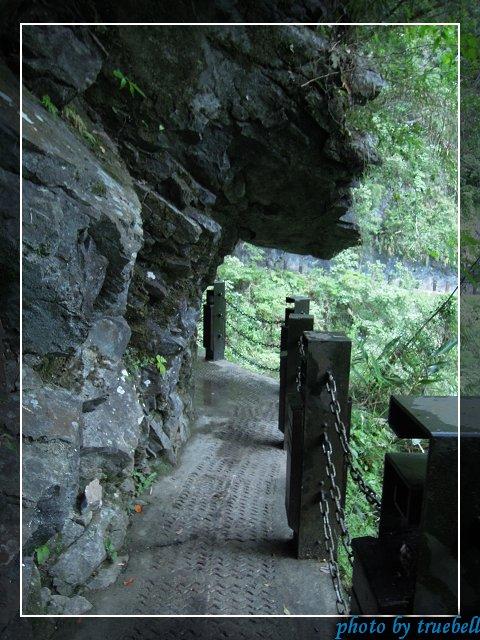 建在山壁上的步道