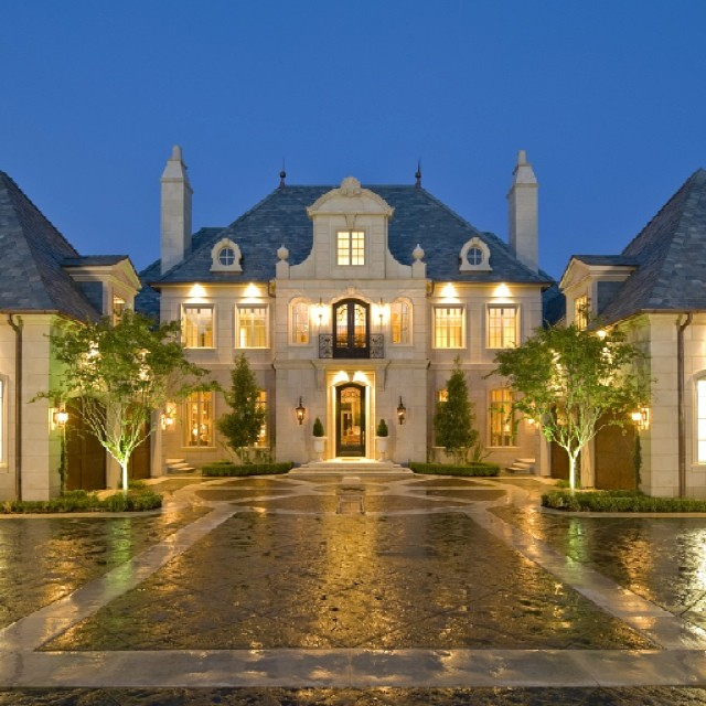 French evening landscape lighting in Highland Park, Dallas
