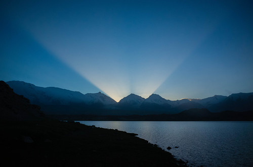 china road summer lake mountains sunrise silk xinjiang kashgar karakul range pamir 2014