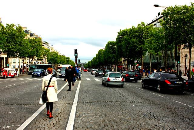 Á miðri Champs Elysees