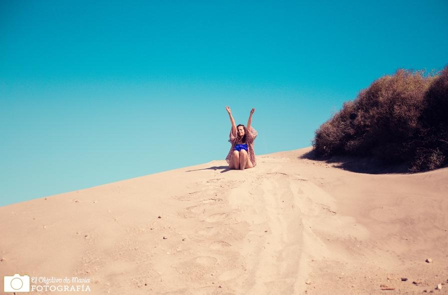 Feliz entre las dunas. Cabo de Gata, Almería