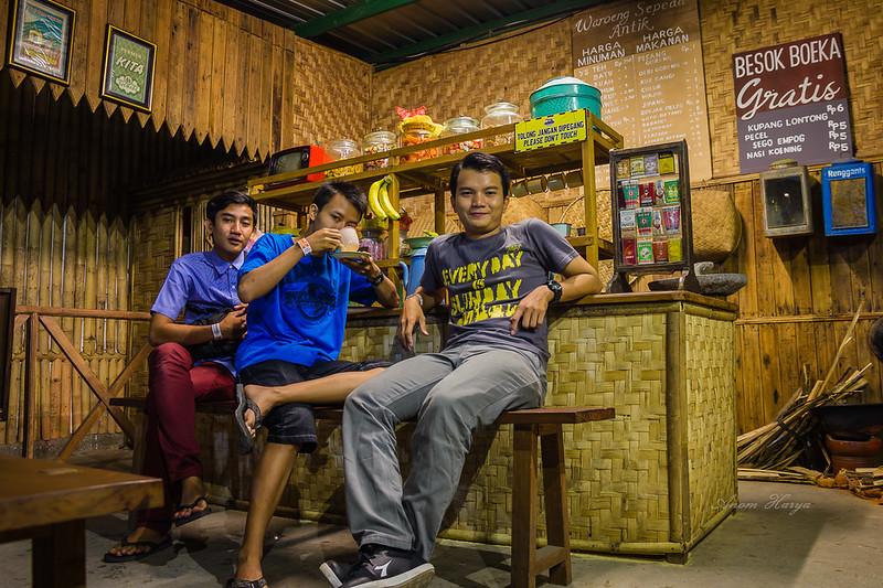 Dekorasi Warung Tempo Doeloe di Museum Angkut
