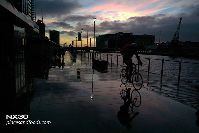 melbourne riverside cyclist