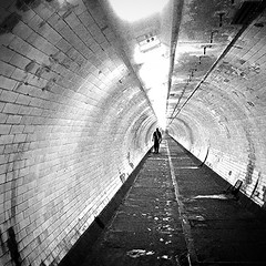 Early morning in the foot tunnel #snapseed #tunnel #londonpop #londononly